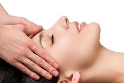 Tips aman scrub wajah