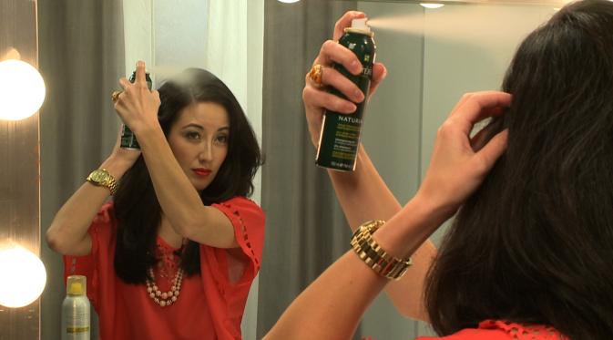 Kegunaan Shampo Kering Untuk Menata Rambut