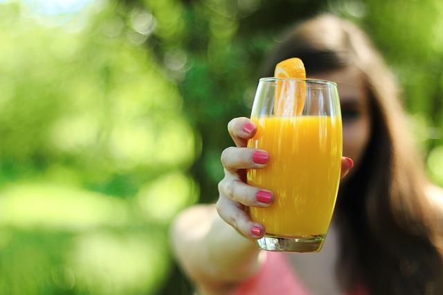 Pemberian jus buah pada bayi