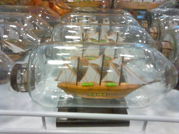 Kapal Botol Kayu Halus - miniatur kapal layar dalam botol