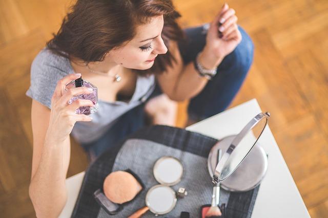 Cara salah memakai parfum
