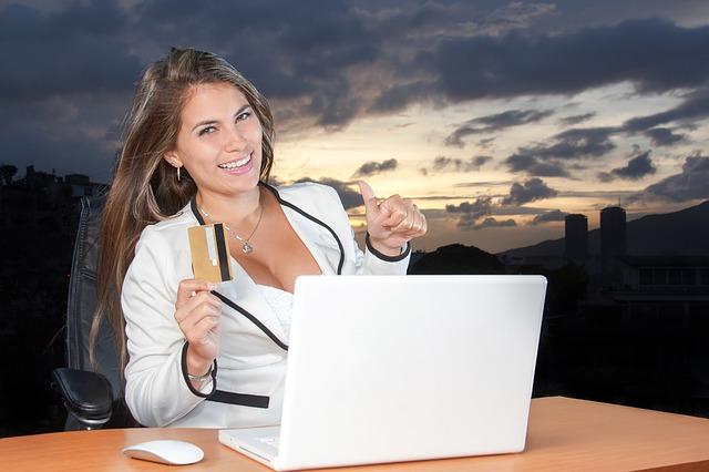 Kiat aman berbelanja online