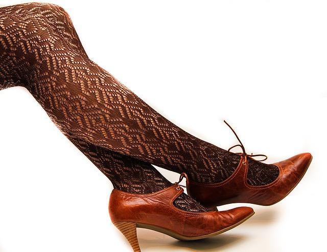 Pengaruh sepatu hak tinggi