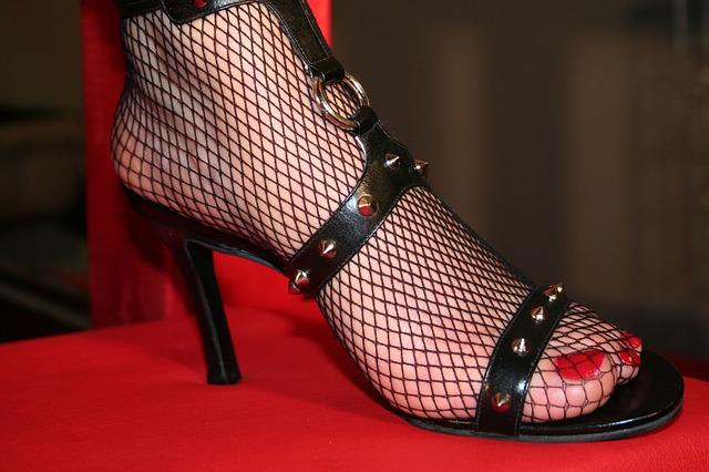 Efek memakai sepatu hak tinggi