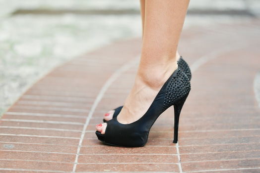 Tips Mengatasi Nyeri Kaki Karena High Heels