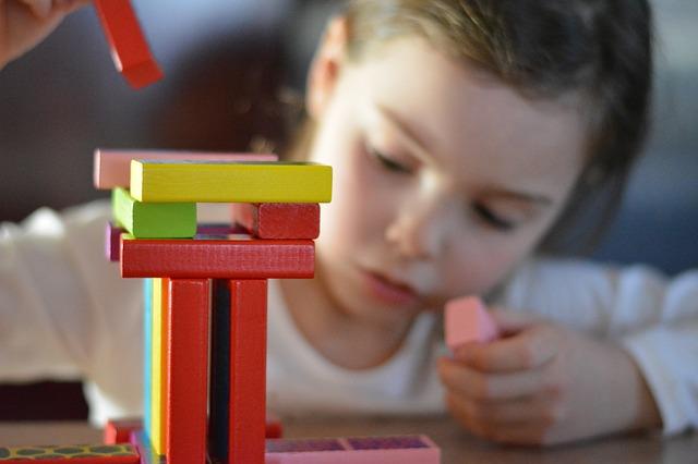 Mainan untuk perkembangan anak