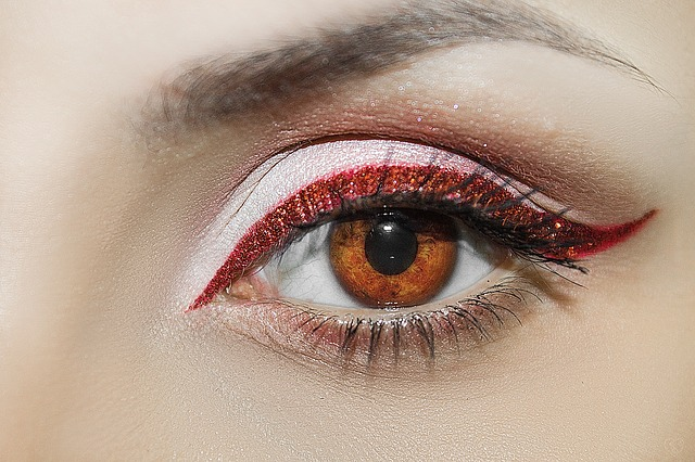 Kenapa mata berkedut sendiri