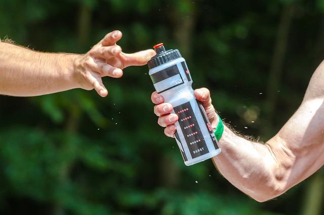 Cara mencuci botol air minum